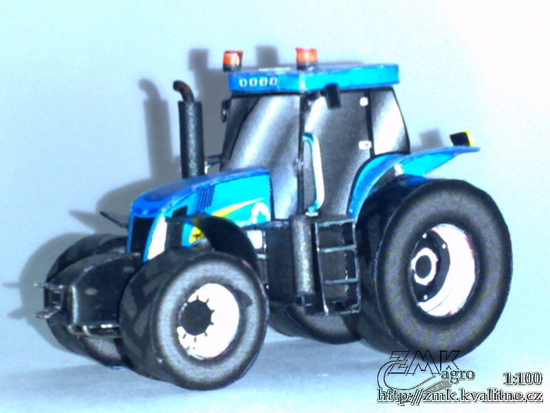 Papercraft recortable de un tractor New Holland T8050. Manualidades a Raudales.